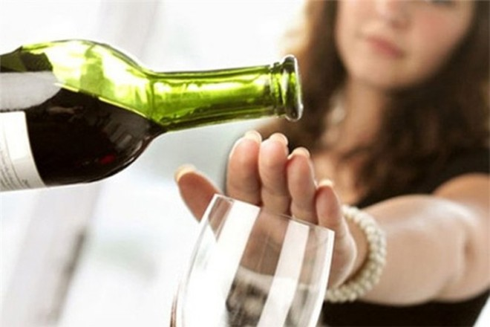 Tăng nguy cơ mắc 7 loại ung thư do sử dụng rượu quá nhiều?
