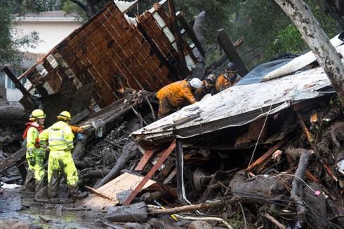 Hiện trường vụ lở đất ở California