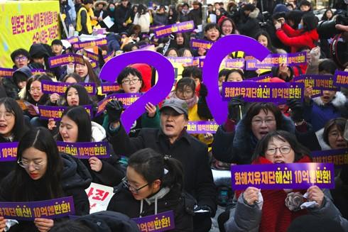"""Người dân Hàn Quốc tuần hành yêu cầu hủy bỏ thỏa thuận về """"phụ nữ mua vui"""" được ký kết giữa chính phủ nước này và Nhật Bản"""