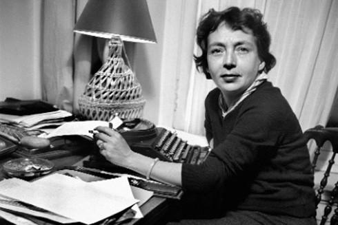 Nữ nhà văn Pháp Marguerite Duras