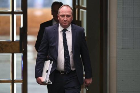 Phó Thủ tướng Australia từ chức vì bê bối cá nhân 