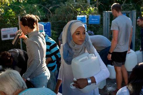 Người dân Cape Town đổ xô đi lấy nước