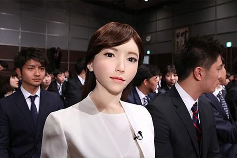 """Erica Aoi - robot giống người đầu tiên về """"đầu quân"""" cho Tập đoàn Truyền hình Nippon, Nhật Bản"""