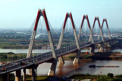 Cầu Nhật Tân (2010-2015) đã trở thành biểu tượng mới của Thủ đô Hà Nội