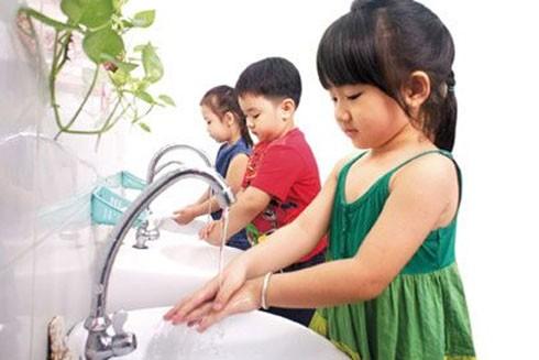 Chủ động phòng, chống dịch bệnh mùa hè cho trẻ ảnh 1