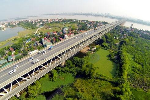 Thăng Long là cây cầu nắm giữ nhiều kỷ lục, trong đó thời gian lâu nhất từ năm 1974 đến 1985