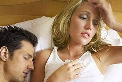 Dấu hiệu bệnh lý đau đầu khi sinh hoạt tình dục