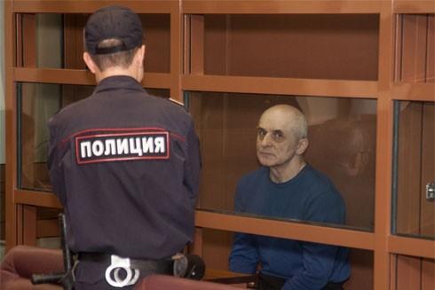 Yevgeny trong phòng cách ly tại tòa