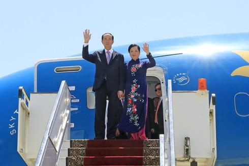Chủ tịch nước Trần Đại Quang và Phu nhân đến sân bay quốc tế Luxor