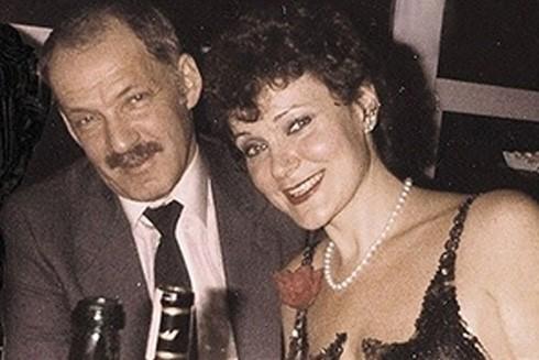 """""""Bố già"""" mafia Evsei Agron và vợ thứ hai Rozova"""