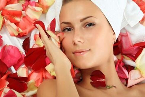 Lợi ích của nước hoa hồng với làn da ảnh 1