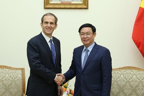 Phó Thủ tướng Vương Đình Huệ tiếp ông Kent Walker, Phó Chủ tịch tập đoàn Google