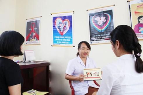 Tư vấn cho các đối tượng nguy cơ cao nhiễm HIV