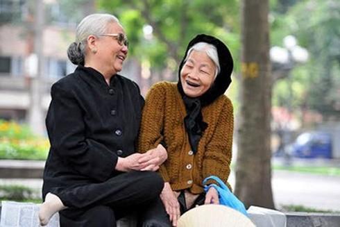 Duy trì tâm lý ổn định cũng giảm tải áp lực cho não, phòng ngừa đột quỵ ở người già