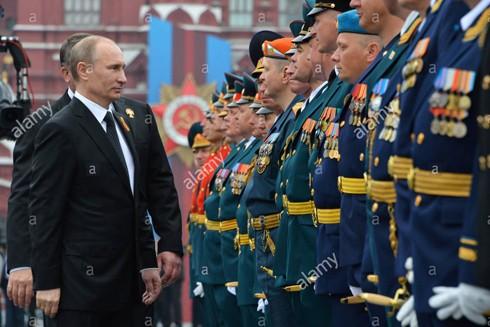 Tổng thống Putin tham dự lễ duyệt binh trên Quảng trường đỏ ở Thủ đô Moscow