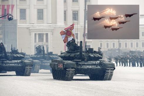 Xe tăng, máy bay Nga tham gia diễu binh kỷ niệm 75 năm giải phóng Leningrad ảnh 1