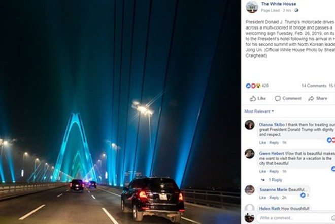 Hình ảnh cầu Nhật Tân được đăng trên Fanpage của Nhà Trắng nhận được nhiều lời khen ngợi