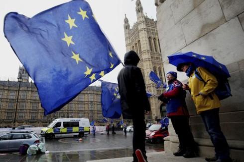 Đến nay vẫn có rất nhiều người dân Anh ủng hộ việc ở lại Liên minh châu Âu