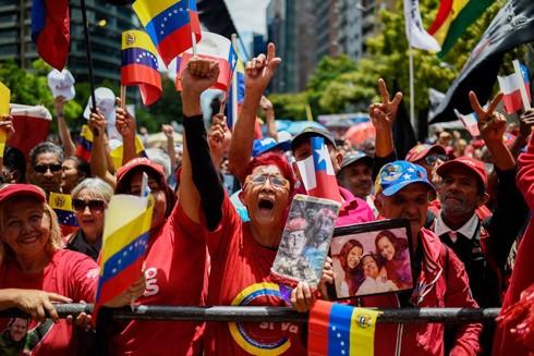 Người dân Venezuela biểu tình chống chính sách cấm vận từ Mỹ