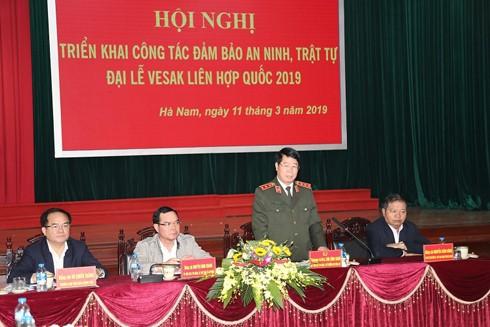 Thượng tướng Bùi Văn Nam, Thứ trưởng Bộ Công an phát biểu tại Hội nghị triển khai công tác đảm bảo an ninh trật tự Đại lễ Vesak Liên hợp quốc 2019