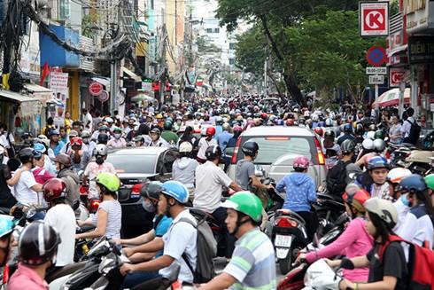 """Phó Thủ tướng Vũ Đức Đam: """"Chỉ cần thay đổi được một thói quen trong ứng xử như việc chen lấn của người Việt, giao thông của Việt Nam đã khác. Đó là mặt tích cực không thể đo đếm của báo chí trong truyền thông về chuẩn mực văn hóa ứng xử"""""""