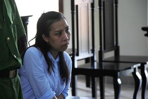 Phạm Lê Hoàng Uyển tại phiên tòa ngày 16-4