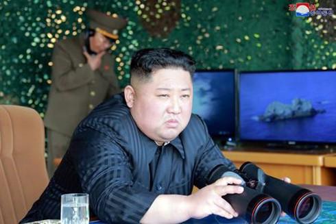 Nhà lãnh đạo Triều Tiên Kim Jong-un thị sát vụ phóng tên lửa ngày 4-5