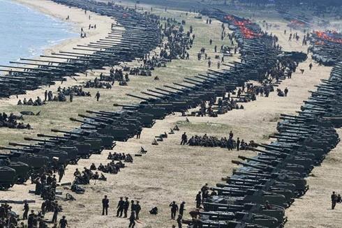 Quân đội Iran tập trận ở vùng Vịnh nhằm đối phó với điều mà quốc gia này cho là mối đe dọa quân sự của Mỹ