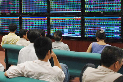 Kết quả kinh doanh tốt, vì sao cổ phiếu ngân hàng vẫn chưa hấp dẫn? ảnh 1