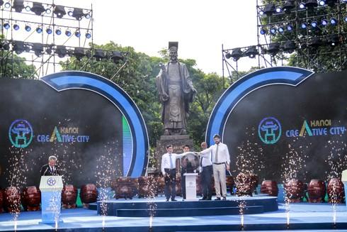 """Kỷ niệm 2 thập niên trước: Thuyết phục thế giới vinh danh Hà Nội """"Thành phố vì hòa bình"""" ảnh 1"""