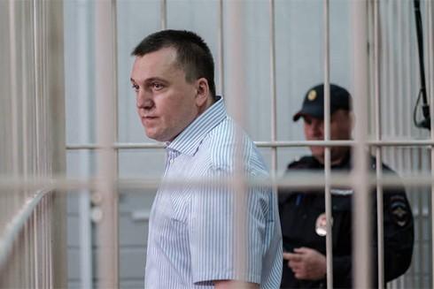 Radchenko trong phòng cách ly tại tòa