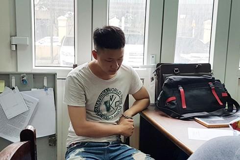 Nguyễn Khánh Hưng tại cơ quan công an