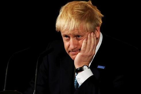 Thủ tướng Anh bị chỉ trích nặng nề chỉ trong vòng 2 tháng nhậm chức