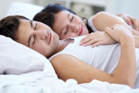 Ngủ muộn và nghỉ ngơi không đầy đủ đều có hại sức khỏe nam giới