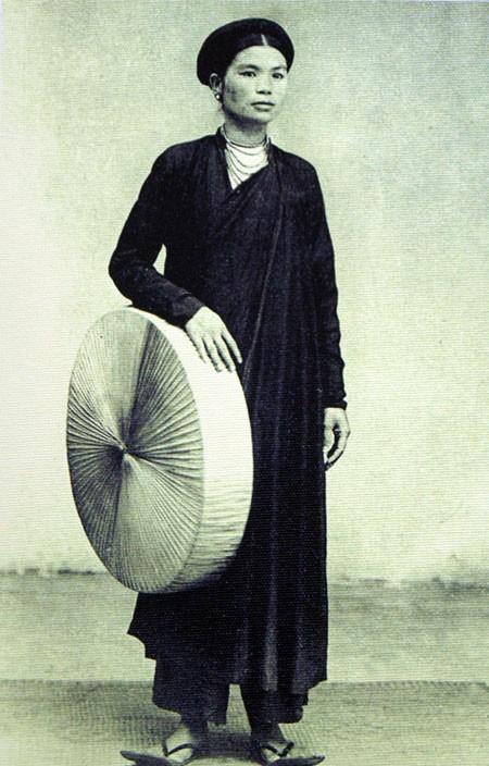 Áo tứ thân, loại trang phục phổ biến của phụ nữ Hà Nội xưa