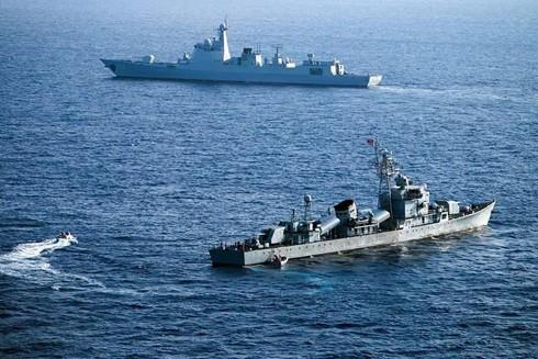 Tàu chiến Mỹ và Anh lần đầu tiên tham gia tập trận chung trên Biển Đông hồi đầu năm 2019