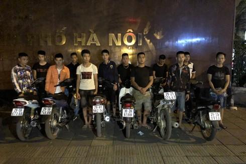 Tổ Y14/141 chặn dừng nhóm thanh niên có ý định đua xe
