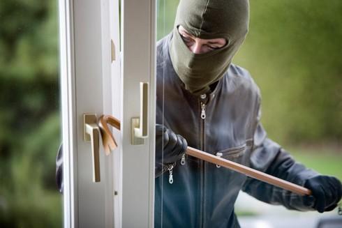 Trộm cắp tài sản sẽ bị truy cứu trách nhiệm hình sự tùy thuộc mức độ tài sản (Ảnh minh họa)