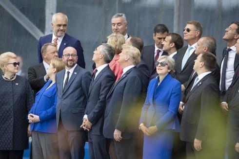 Tổng thống Trump bị chỉ trích vì kêu gọi các nước thành viên NATO tăng cường mua khí tài quân sự Mỹ