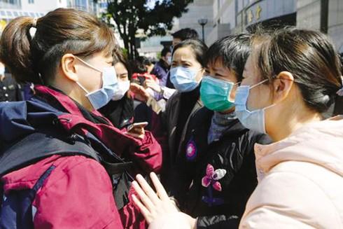 Số lượng bệnh nhân nhiễm Covid-19 ở Trung Quốc hồi phục cao hơn số lượng người nhiễm mới trong những ngày qua