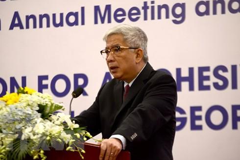 Thượng tướng Nguyễn Chí Vịnh, Thứ trưởng Bộ Quốc phòng Việt Nam phát biểu khai mạc hội nghị