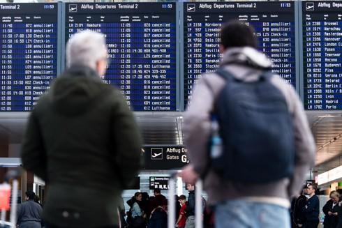 Các chuyến bay giữa Mỹ và châu Âu đã bị hủy bỏ