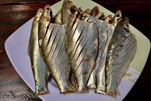 """Cá mòi, đặc sản """"độc quyền"""" sông Hồng"""