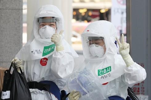 Hàn Quốc được ghi nhận là nước thứ hai sau Trung Quốc hãm được tốc độ lây lan nhanh của dịch Covid-19