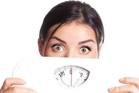 Một trong những nguyên nhân gây tăng cân có thể do yếu tố tâm lý
