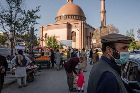 Các ca nhiễm Covid-19 ở Kabul, Afghanistan tăng mạnh sau khi người dân đổ ra đường dịp lễ hội Eid al-Fitr vào tháng trước