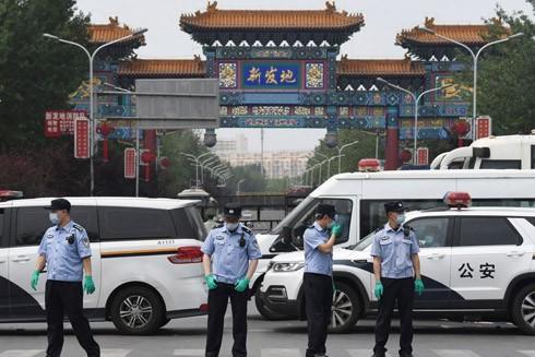 Trung Quốc đóng cửa chợ đầu mối Tân Phát Địa - nơi là ổ dịch mới nguy hiểm ở Thủ đô Bắc Kinh với 21 triệu dân