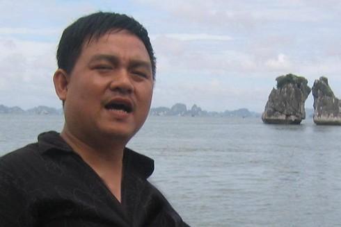 Nhà báo Vi Hồng Tuấn