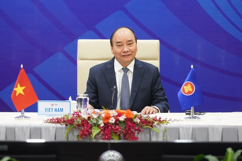 Thủ tướng Nguyễn Xuân Phúc trên cương vị Chủ tịch ASEAN chủ trì cuộc họp ASEAN đặc biệt về ứng phó với đại dịch Covid-19 theo hình thức trực tuyến