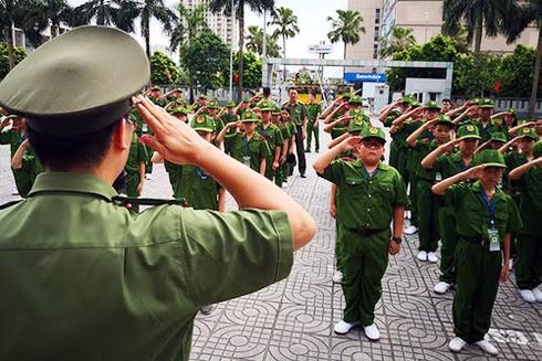 """Tại Chương trình """"Học làm chiến sĩ Công an"""" các em còn được học điều lệnh, võ thuật CAND"""
